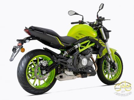 Benelli 302S zöld sportmotor 10