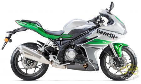 Benelli BN 302R sportmotor zöld