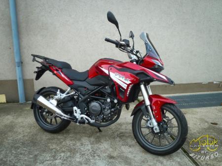 Benelli Trk 251 piros 2