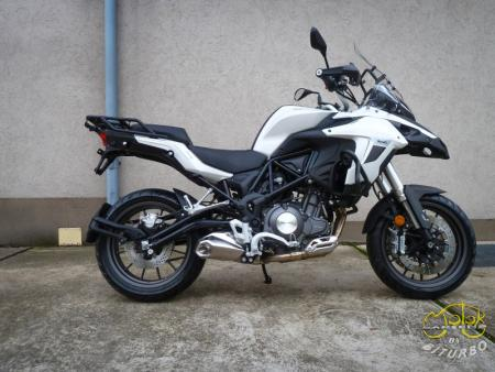 Benelli Trk 502 fehér 1