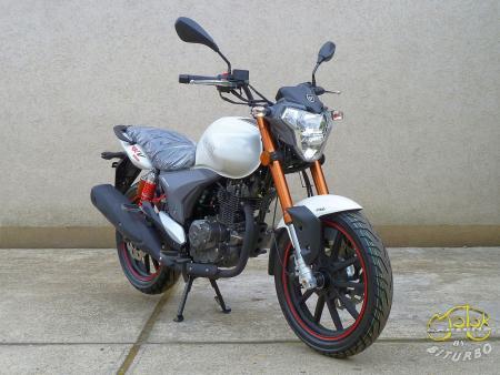 Keeway RKV 125 EFI motor 9