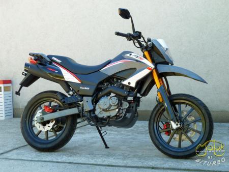 Keeway TX 125 EFI supermoto 7