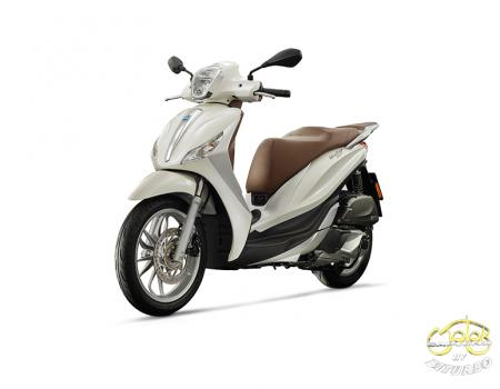 Piaggio Medley 125 robogó fehér