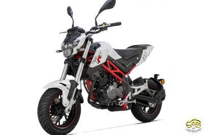 Benelli TNT 125 motor 4