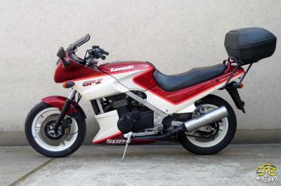 Kawasaki GPZ 500 S sportmotor 6