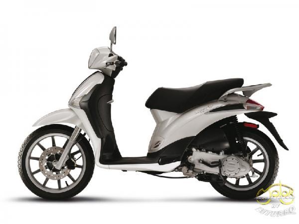Piaggio Liberty 50 4t robogó fehér